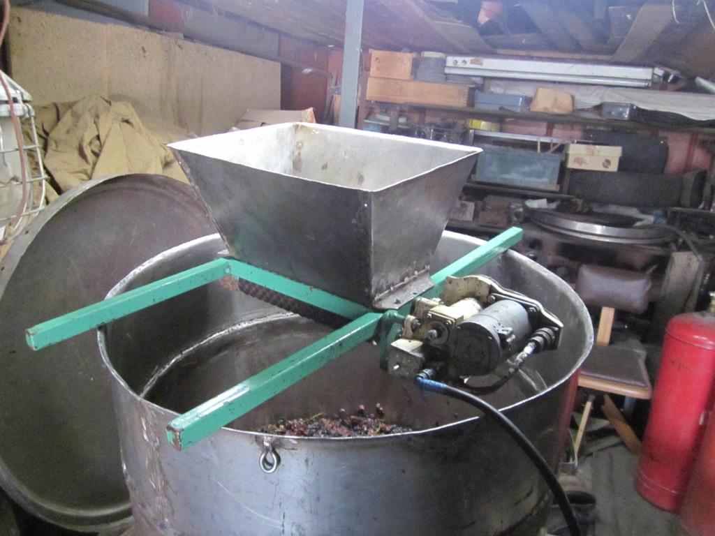 Как сделать дробилку винограда своими руками